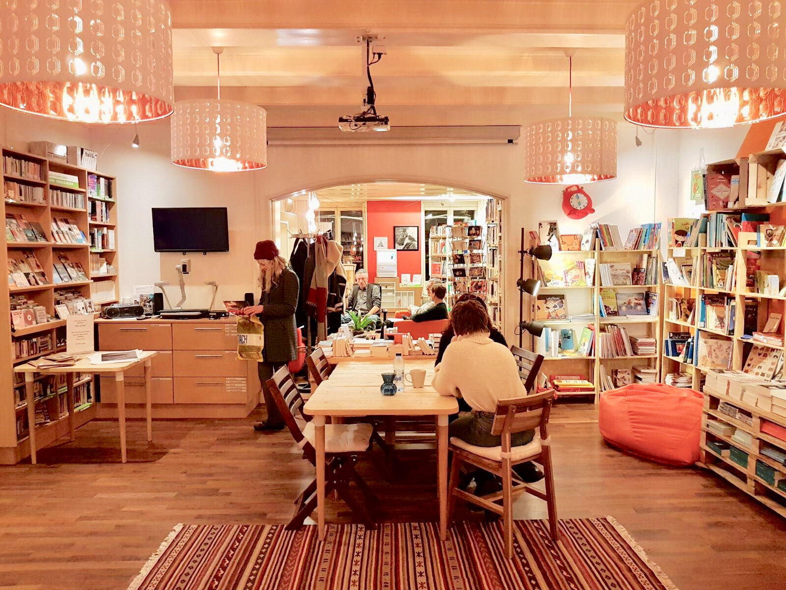 Inside Amsterdam S Only Arabic Bookstore Cafe Meet The Syrian Entrepreneur Behind Pages