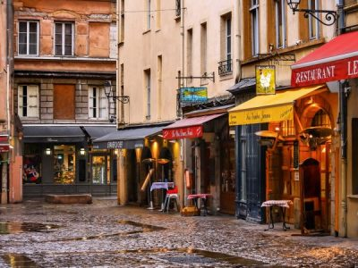 Entrepreneurs in France! SINGA expands in Lyon and Paris